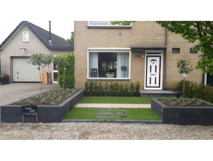 Kleine tuin met veel variatie en gecombineerd met strakke lijnen.