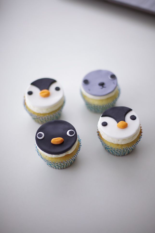 pingu cupcakes by coco cake land