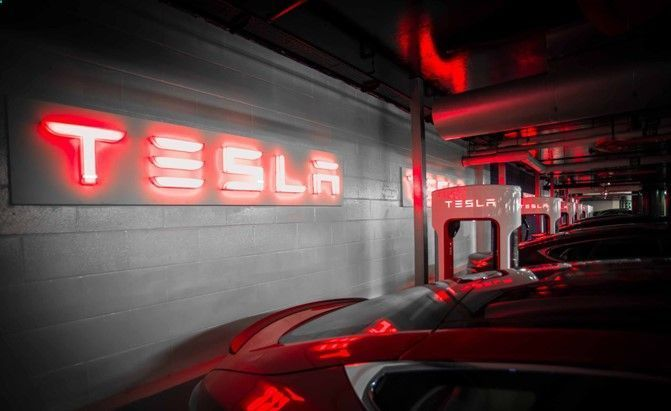 Battery Reconditioning - Battery Reconditioning - Tesla to Unveil Home Battery on April 30 that Could Take You Off The Grid Save Money And NEVER Buy A New Battery Again Save Money And NEVER Buy A New Battery Again