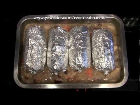 En esta vídeo receta vamos a hacer rollitos de pollo rellenos. Es una receta muy rica y fácil de hacer para una comida o cena de navidad. Os animamos a que la probéis. Esperamos que os guste!