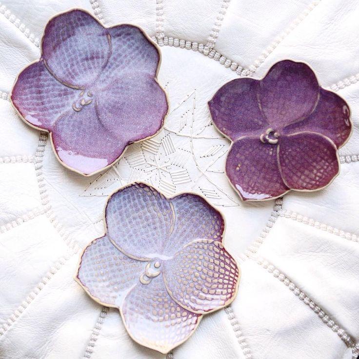 """Марокканский пуф — 6900р, тарелка """"Орхидея"""" — 850р 🔮 📍м. Арбатская, Малый…"""