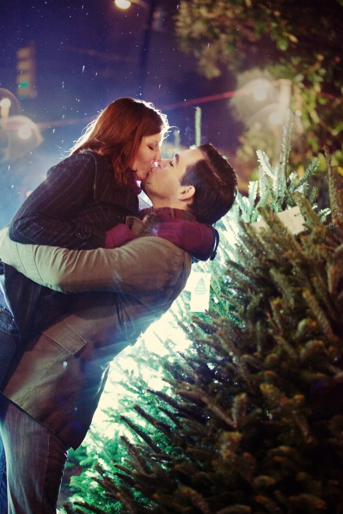 Hey, look! That's us! And @Kristin Sweeting is awesome.: Christmas Cards, Christmas Time, Engagement Pictures, Engagement Photo Shooting, Winter Engagement Photo, First Christmas, Engagement Pics, Christmas Trees, Christmas Engagement Photo