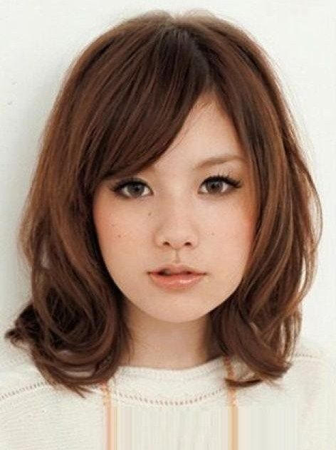 Medium Length Hairstyles for Teenage Girls with Round Faces