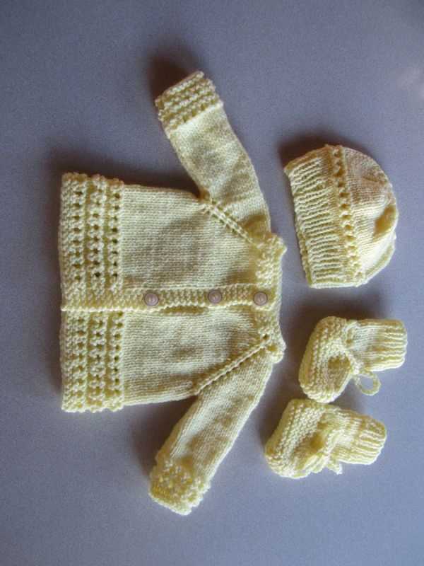 knitted layettes