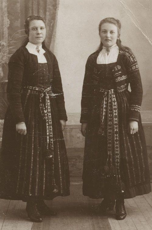 Girls from Delsbo, Hälsingland.