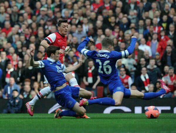 Ozil's goal v Everton #FACUPQF