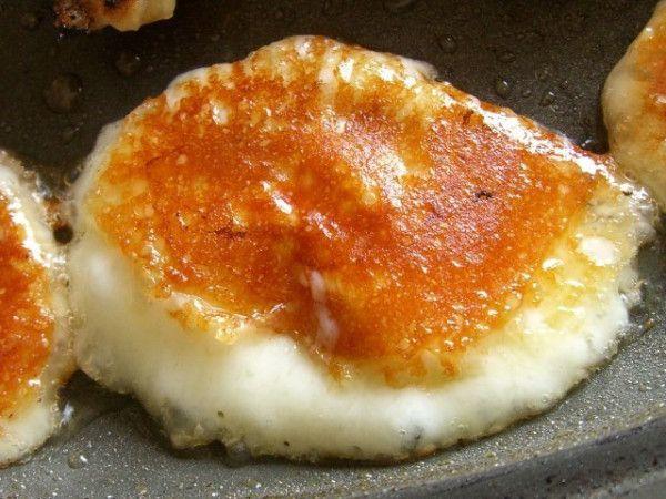 絶品チーズ「カチョカヴァロ」をフライパンで焼くと危険な美味しさ! - Spotlight (スポットライト)