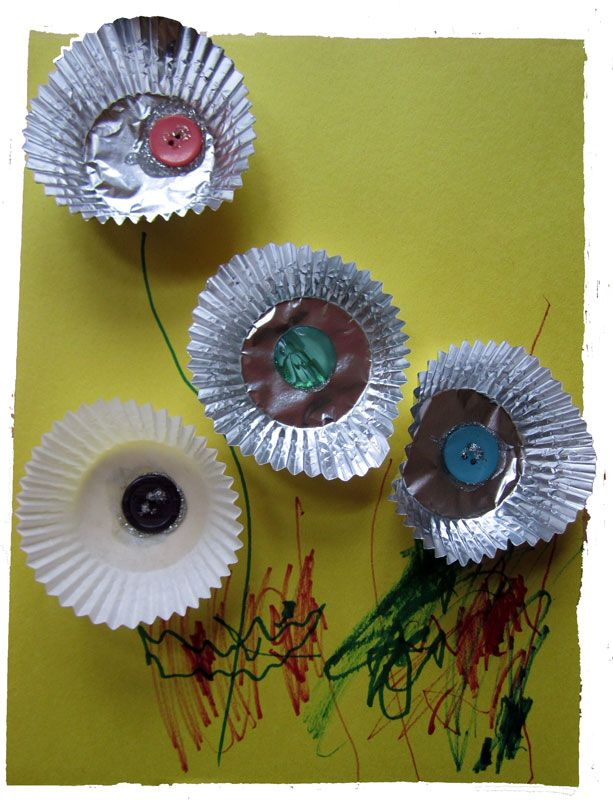 Muffin Liner Flowers - KinderArt Littles, Preschool, Daycare and Early Childhood Education Activities and Lessons