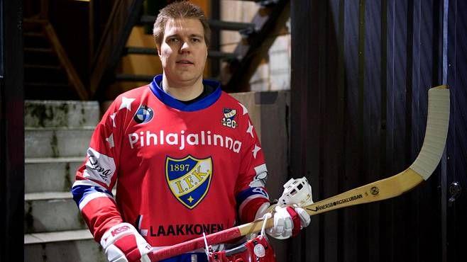 Teemu Ramstedt pelaa perjantaina Bandyliigassa HIFK:n riveissä Veiterää vastaan.