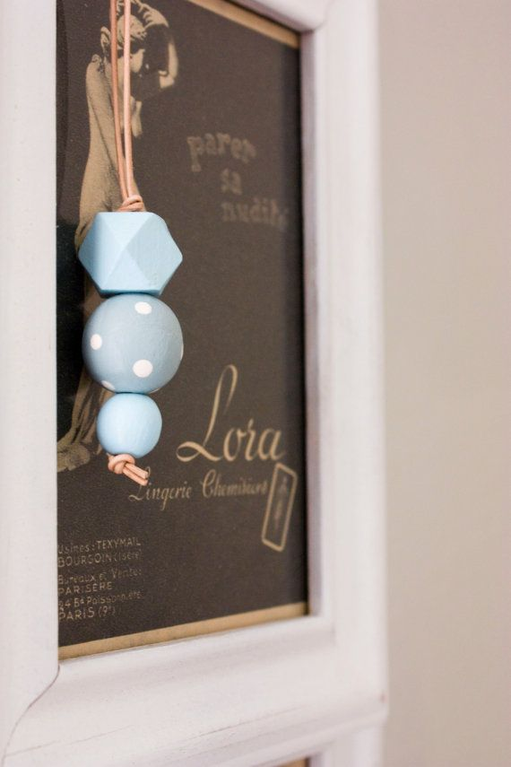 collana pois blu pastello collana blu chiaro di erikaintheclouds/lightblue polka dots necklace