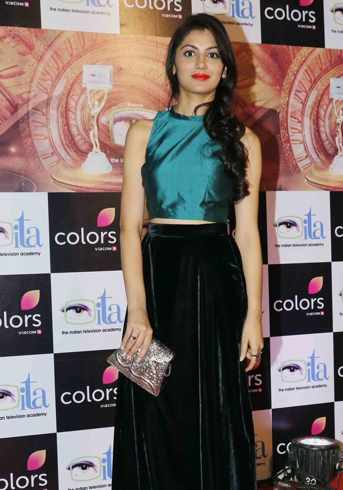 Sriti Jha at ITA Awards 2016. #Bollywood #Fashion #Style #Beauty #Hot #Sexy