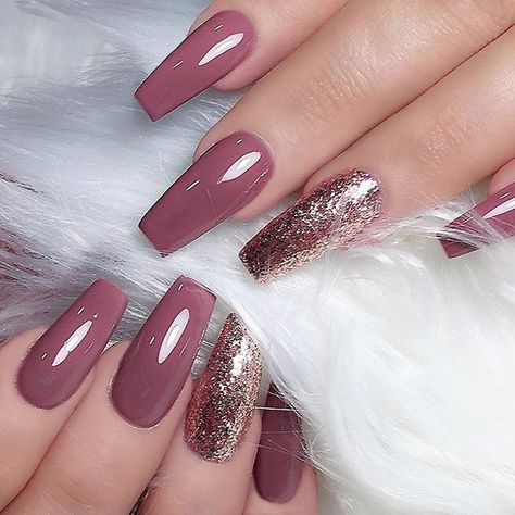 "4,123 Me gusta, 14 comentarios - TheGlitterNail Get inspired! (@theglitternail) en Instagram: ""✨ REPOST - - • - - Mauve Coffin Nails with Gold Glitter ⭐ - - • - - Picture and Nail Design by…"""