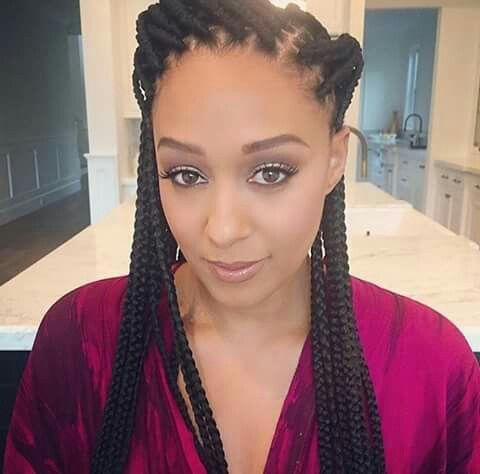Tia Mowry. Box braids are on point! Makeup flawless!
