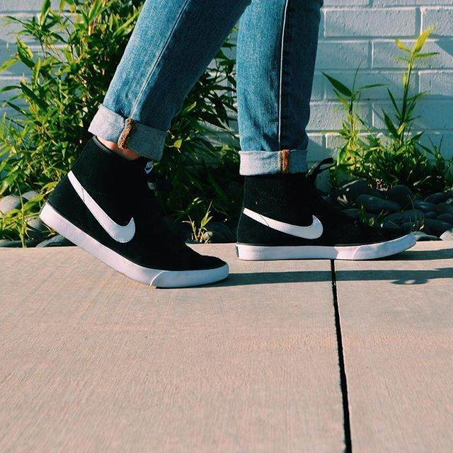Loving these nike high top sneakers.  shoes: nike jeans: Gap  Fashion | Style | Clothes | Fall |