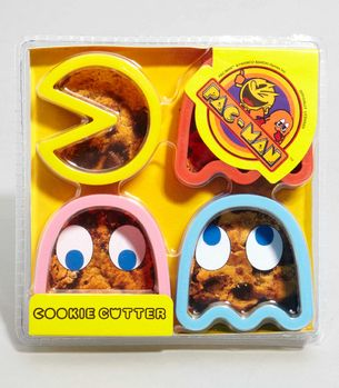 Need these for my next 80's party.: Cookies Snacks, Pacman Cookies, Cookies Cutters, Fun, Cookie Cutters, Awesome Cookies, Man Fever, 80S Parties, Pac Man Cookies