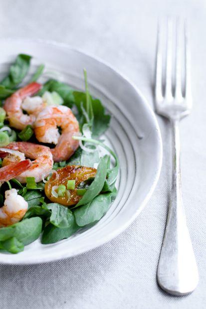 insalata con gamberi, rucola e albicocche grigliate