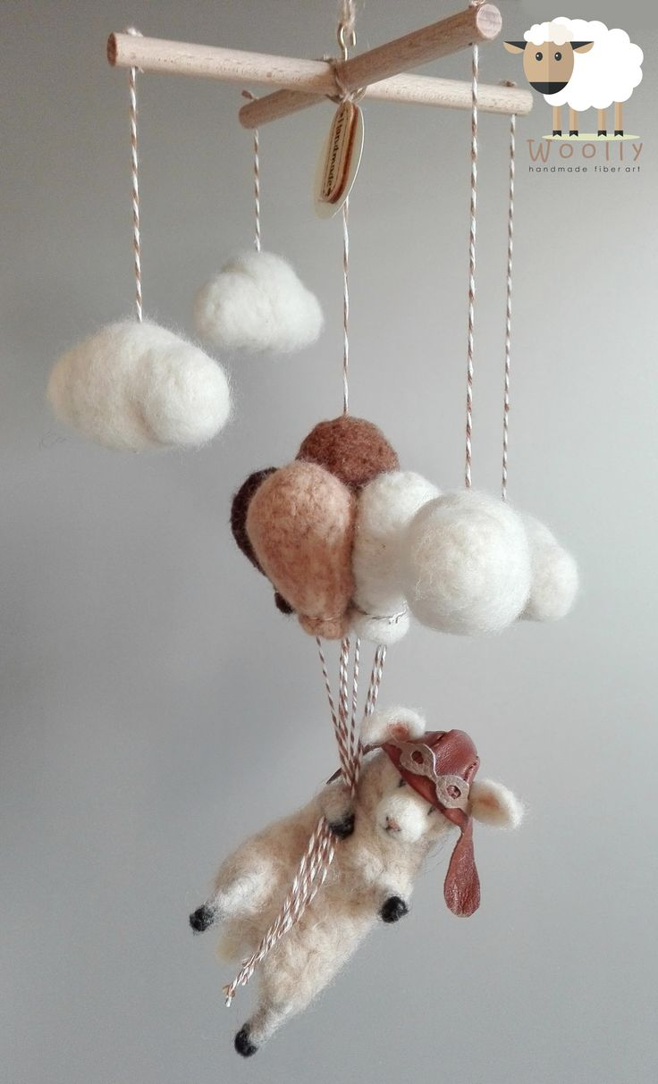 Tűnemez technikával készült baba forgó kiságy fölé vagy baba szoba dekorációnak. Needle felted lamb #needlefelted #babymobile #babaforgo