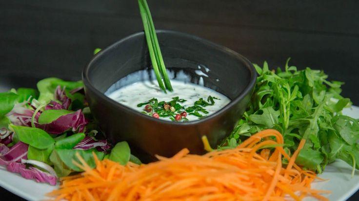 Salsa allo Yogurt per Insalate, Carni e Pesci