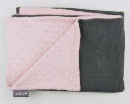 wiegdeken grijze wafel met roze minky -www.noez.nl-