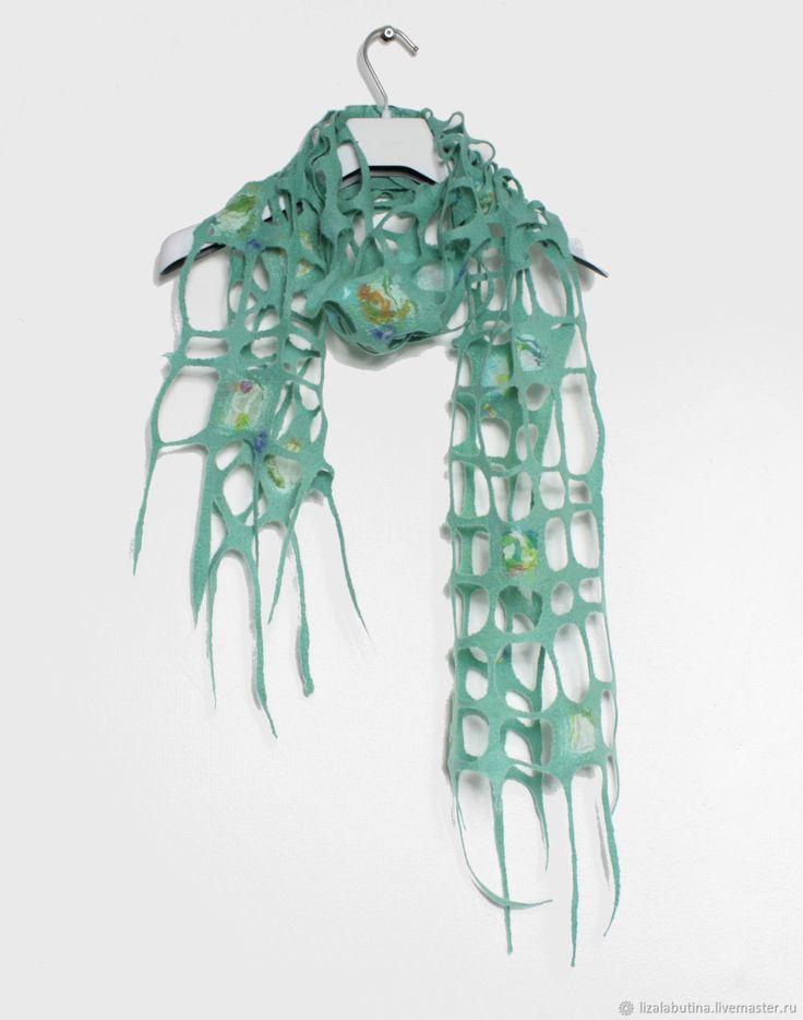 """Шарф """"Мятный"""" – купить или заказать в интернет-магазине на Ярмарке Мастеров   Валяный шарф-сетка из экстра-тонкой шерсти…"""
