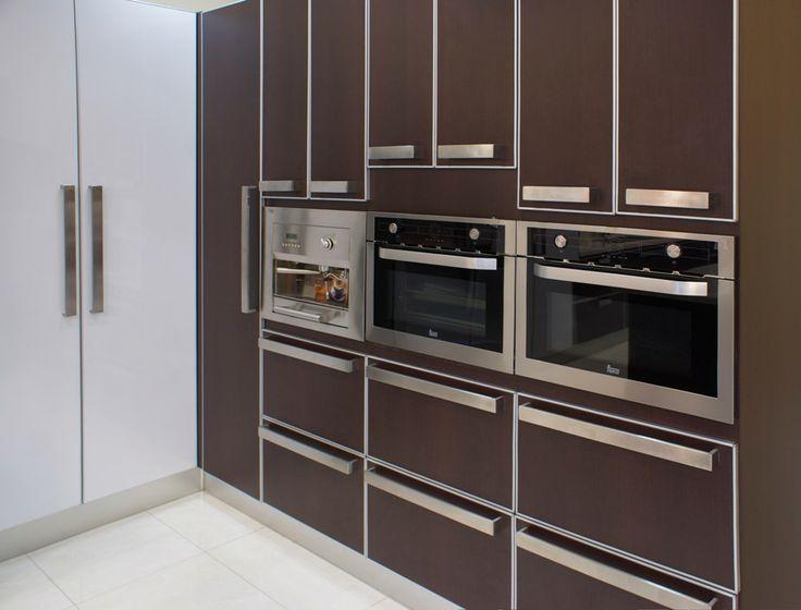 Cafetera microondas y horno empotrables for Muebles para microondas modelos