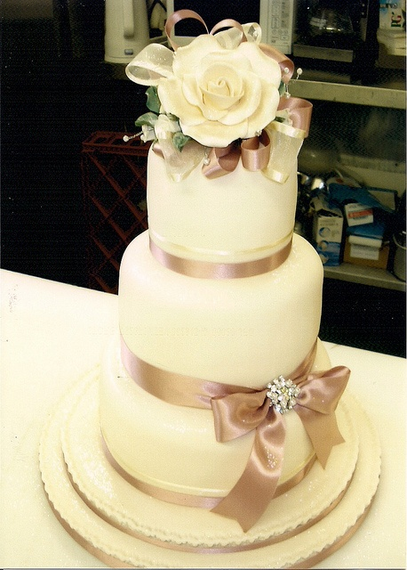 Vintage Dusky Pink Rose Wedding Cake