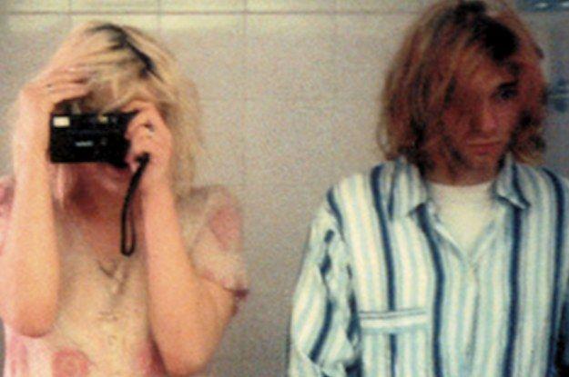 Courtney Love And Kurt Cobain's Bathroom Selfie Is Grunge Perfection