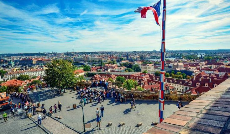 Reasons people immigrate to the Czech Republic