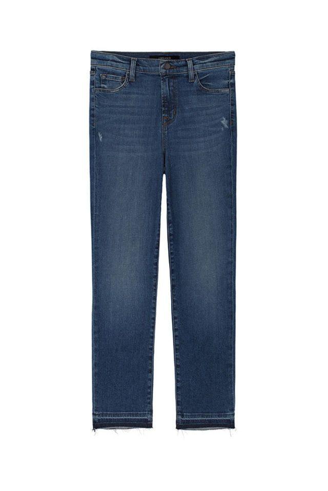 blue jeans a gamba dritta: sono la mia uniforme quotidiana, un pò boysh ma non mascolini. Il modello a gamba larga invece è l'ideale per poter giocare con lo stile perché può essere utilizzato sia per look più formali sia per look super basici. Negli Anni 70 amavamo queste silhouettes e le ragazze sulle copertine dei dischi erano perfette.
