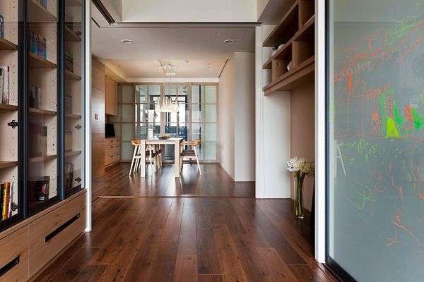 Very elegant and neat, this interior exhales style and sophistication. The decoration is the work of Fertility Design, a very interesting Chinese studio, that managed to integrate a movable wall inside the house, in order to...