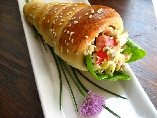bread cone1 Wonderful DIY Yummy Bread Cones