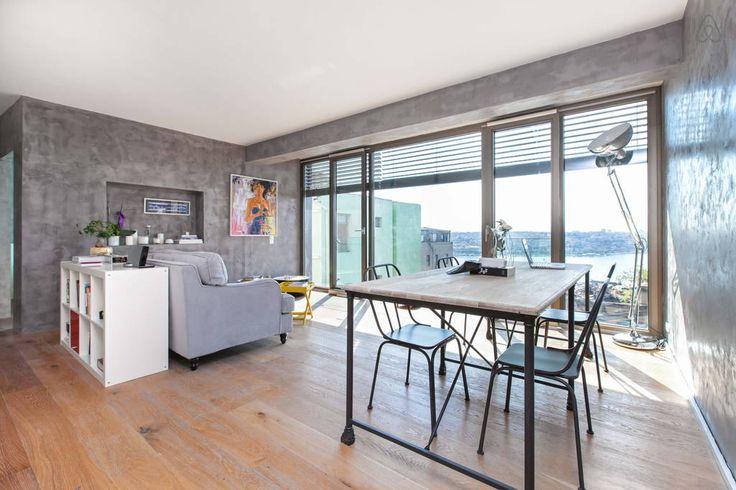 Airbnb'deki bu harika kayda göz atın: Taksim/Pera Flat w beautiful view 2 - İstanbul şehrinde Kiralık Apartman daireleri