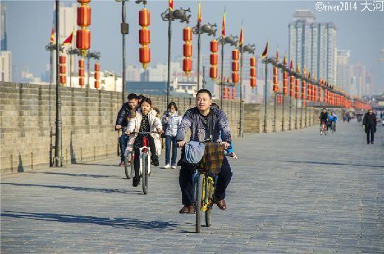 Xi'an Stad's Muur - Xi'an - fietstocht over de muur