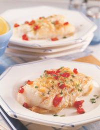 "Baked Cod with Lemon and Olive Oil    4 cod fillets (6 ounces each), each 1"" thick  1 1/2 tablespoons lemon juice  1 tablespoon olive oil  2 garlic cloves, minced  1/2 teaspoon dried thyme  pinch of salt  1/8 teaspoon ground black pepper  1/4 teaspoon sweet Hungarian paprika (optional)"