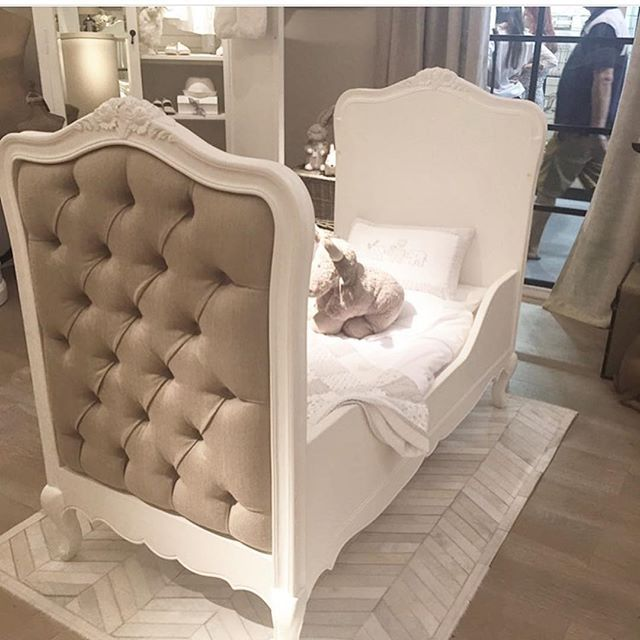 Baby coy/bed this beautiful cot also has a changing unit and wardrobe to match! 👶🏻 #instock #cot #cotbed #baby #babyfurniture #homedecor #nurserydecor #brentwood #essex