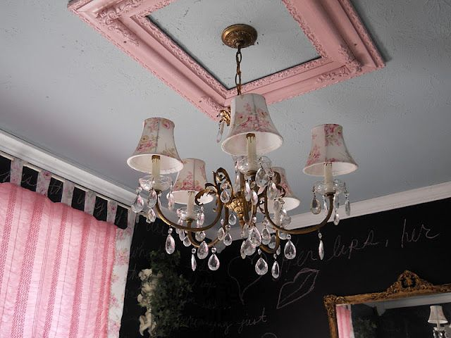 use a frame for ceiling medallion - why didn't i think of that?