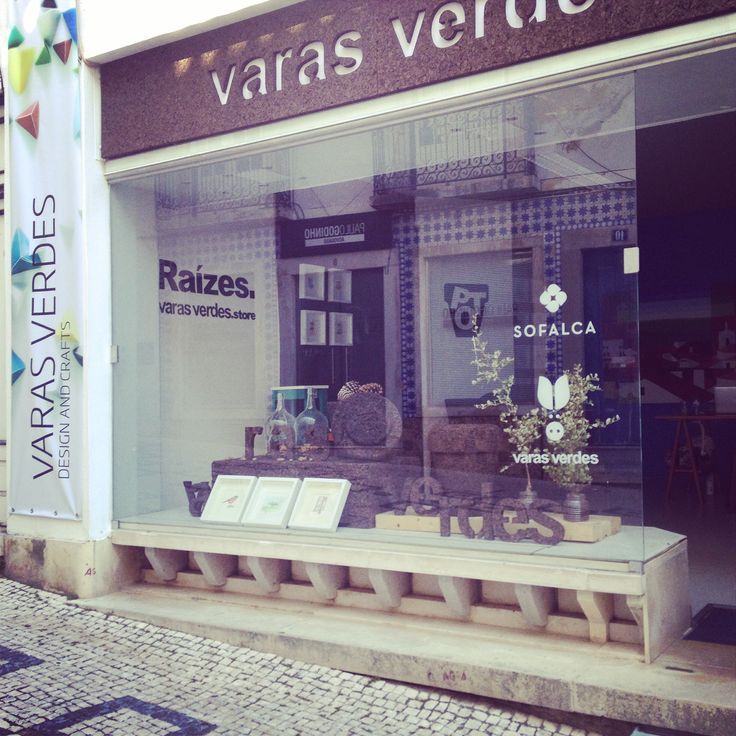 Store by varas verdes.