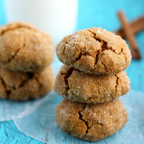 Thick, chewy, and rich with flavor, these gluten free and vegan cookies are the perfect autumn treat!