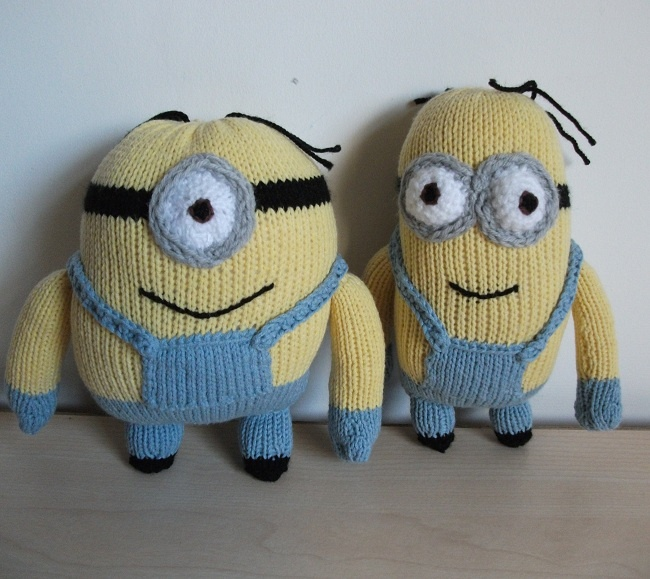 Knitted Despicable Me Minions for my nephews (improvised patterns) ...