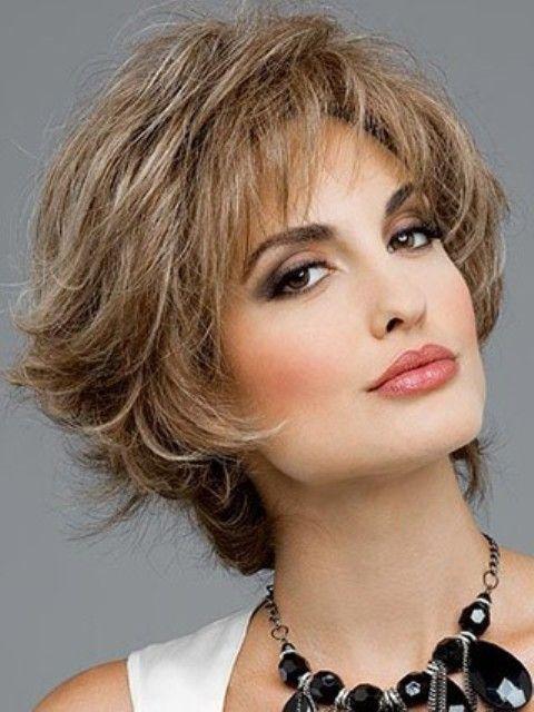 Gruesos cortos Peinados para mujeres mayores encima de 40 y 50-2