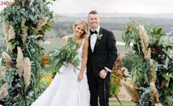 Estrela do críquete australiano faz casamento vegano em grande estilo