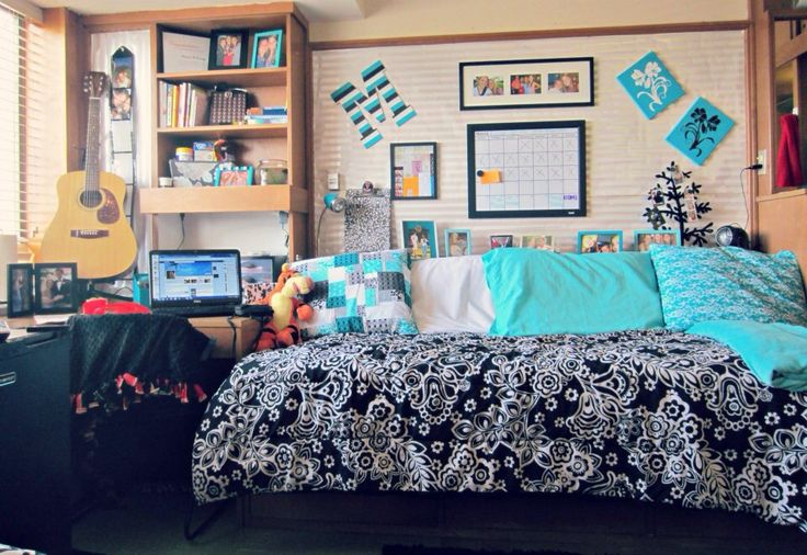 Texas tech dorm room! Cover ugly bulletin boards with wrapping paper! Chitwood