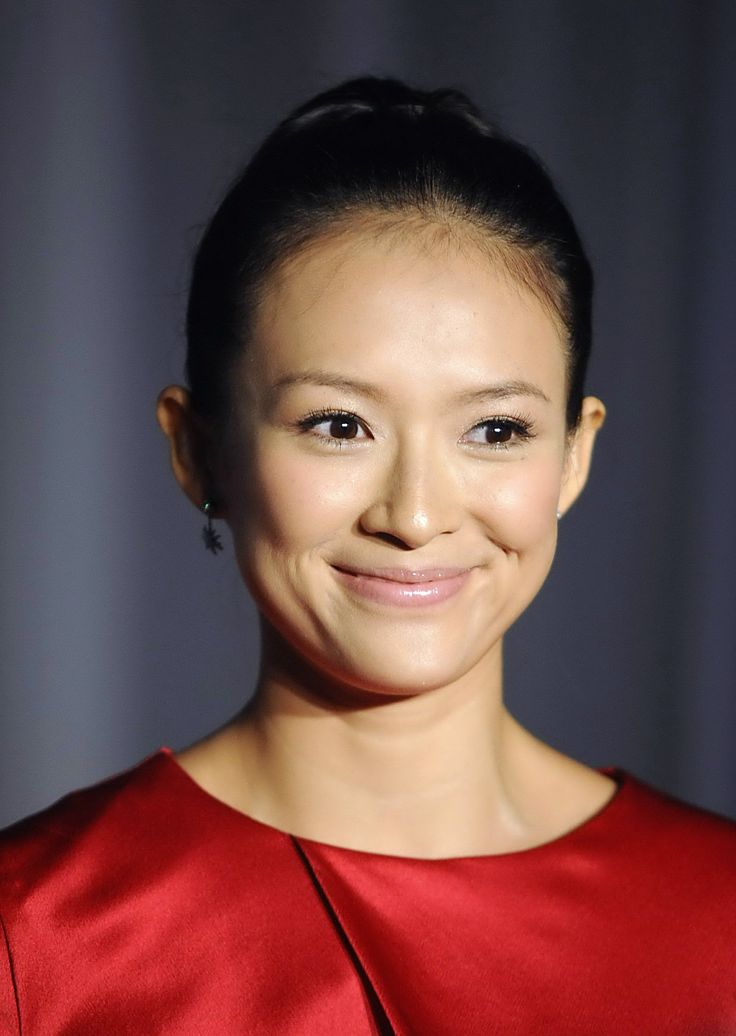 aAfkjfp01fo1i-28212/loc355/91769_Zhang_Ziyi_poses_during_a_promotional_event_for_Maybelline_in_Beiji-002_122_355lo.jpg