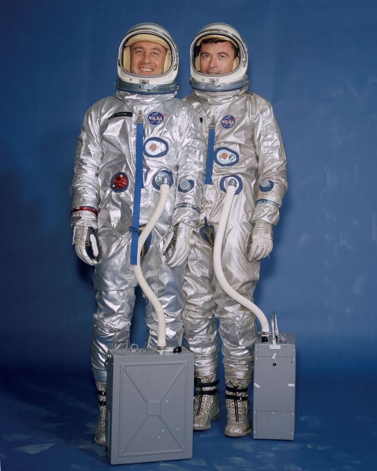 March, 1965. Pose in their flight suits with the portable suit air conditioners connected. // http://www.nasa.gov/externalflash/spacesuit_gallery/index_noaccess.html