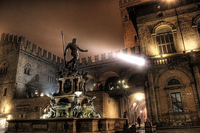 Il Nettuno by night