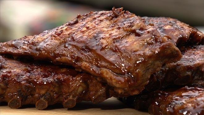 Eten in de Tuin |  pan en voeg alle ingrediënten toe aan de bouillon. Breng de ribben aan de kook en gaar de ribben in circa 2 uur op een laag vuur met de deksel op de pan....