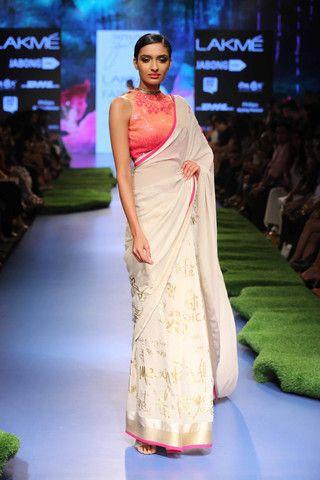 The First Lady of Satya Paul - Gauri Khan at LFW | VIVA-LUXE #SatyaPaul #Saree