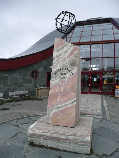 Poolcirkel monument