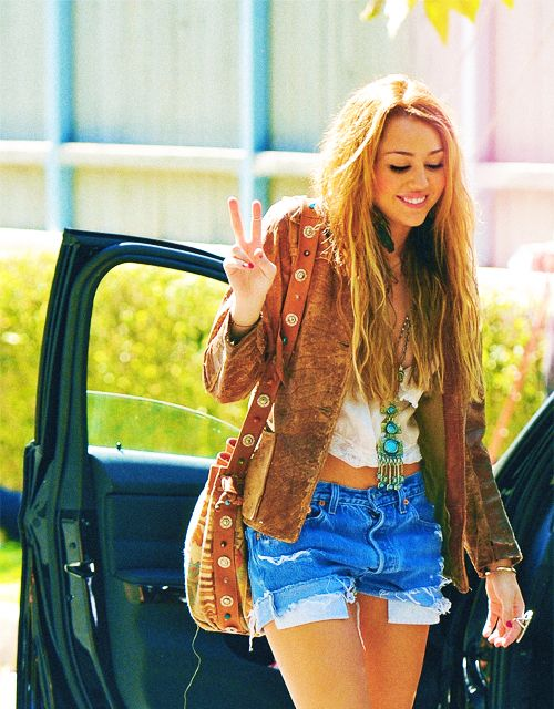 Miley Cyrus - loved her long hair | loveee | Pinterest ...Miley Cyrus Bohemian Style