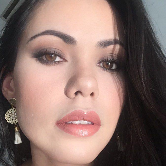 Un look para quienes no les gusta o no les favorece el delineador ni las pestañas postizas ���������� #makeup #instamakeup #cosmetic #cosmetics #socialenvy #PleaseForgiveMe #fashion #eyeshadow #lipstick #gloss #mascara #palettes #eyeliner #lip #lips #concealer #foundation #powder #eyes #eyebrows #lashes #lash #glue #glitter #crease #primers #base #beauty #beautiful #santamarta http://ameritrustshield.com/ipost/1553321700345827434/?code=BWOgdtLBNBq